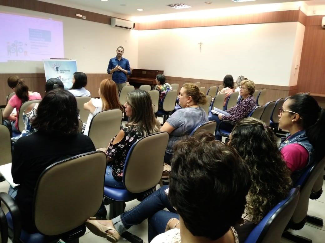 Programa reúne educadores de três cidades para formação