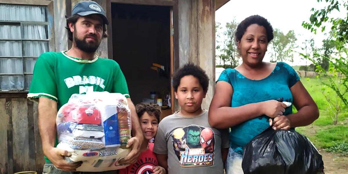 Família de Ribeirão Claro
